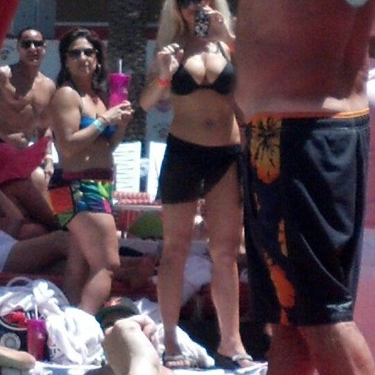Photo taken at Flamingo GO Pool by Kevin W. on 6/8/2013