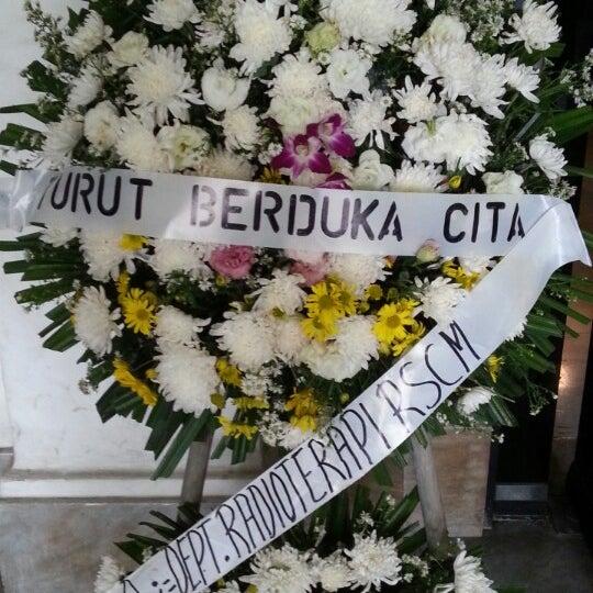 Photo taken at Fakultas Kedokteran Universitas Indonesia by Oka M. on 3/7/2014
