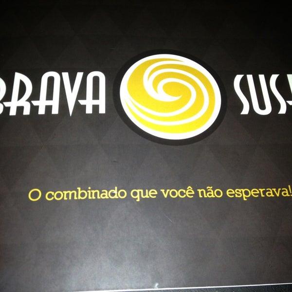 Foto tirada no(a) Brava Sushi por Ana Paula Q. em 12/30/2012