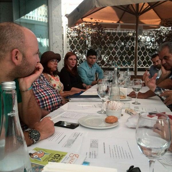 9/26/2013 tarihinde Adnan M.ziyaretçi tarafından Matbah Restaurant'de çekilen fotoğraf