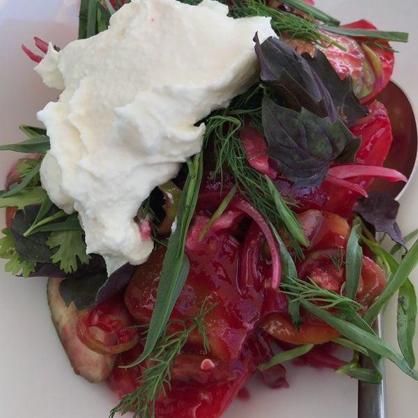 Vegetable salad with goat cheese is so delicious, one of favorites