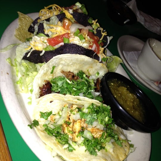 Salty iguana mexican restaurant in independence - Iguanas mexican grill cantina ...
