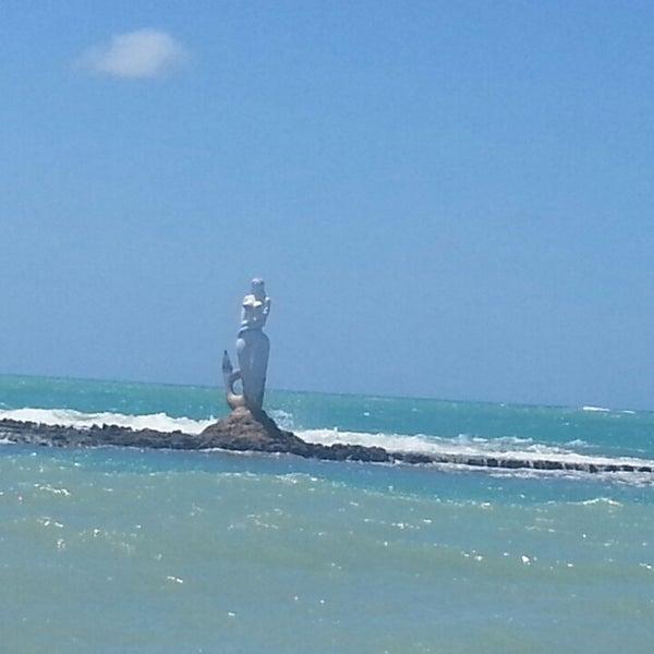 Foto tirada no(a) Praia Mirante da Sereia por Carime L. em 9/26/2013