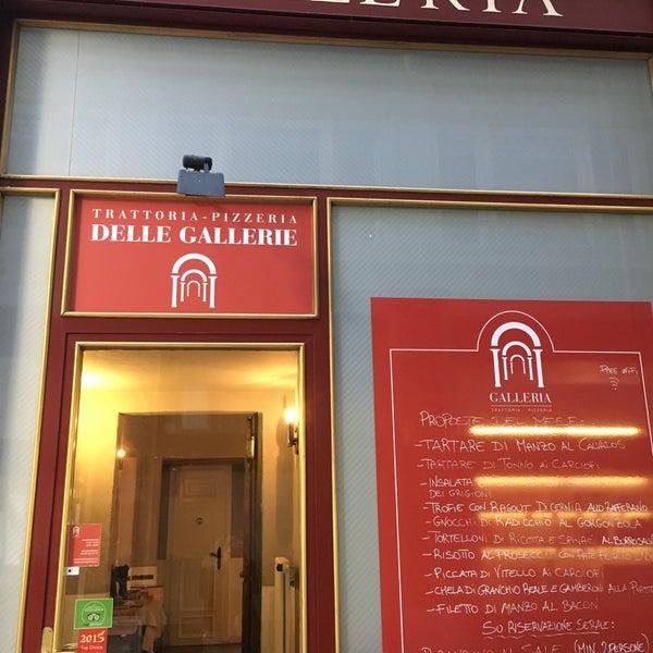 Foto scattata a Trattoria Pizzeria Galleria da Gülen C. il 1/18/2018