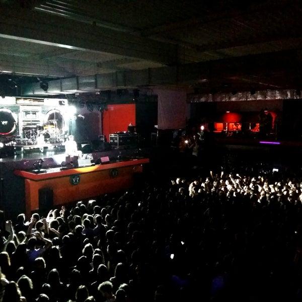 На концерте Бумбокс и зрители и сами артисты изнывали от жары и духоты(