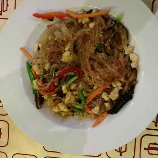 Снимок сделан в Woka Asia Food пользователем Elena S. 10/2/2016