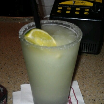 Photo taken at Applebee's Neighborhood Grill & Bar by Barbara F. on 12/31/2012