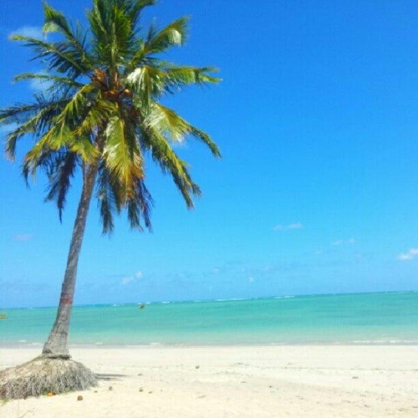 Foto tirada no(a) Praia de São Miguel dos Milagres por Ismael L. em 12/6/2012