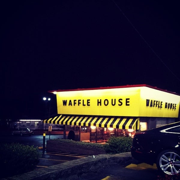 Photo taken at Waffle House by Michael N. on 2/5/2014