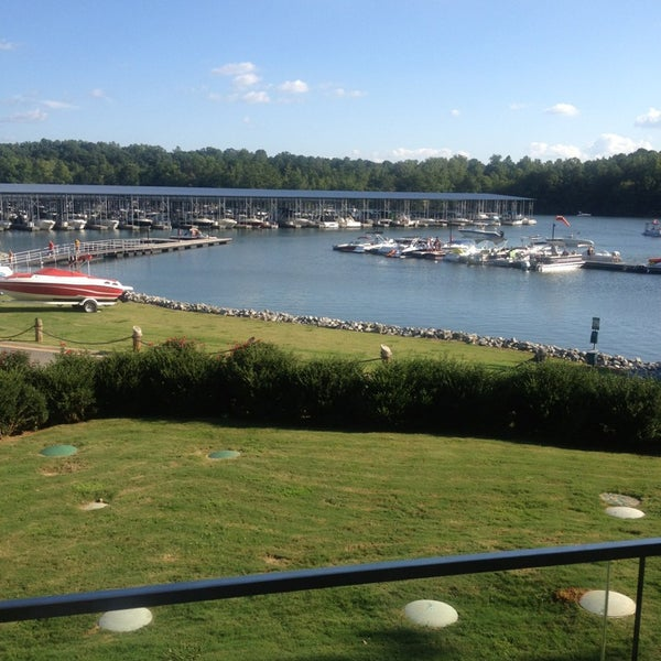 Photo taken at Fish Tales Lakeside Grille by Denise R. on 8/25/2013
