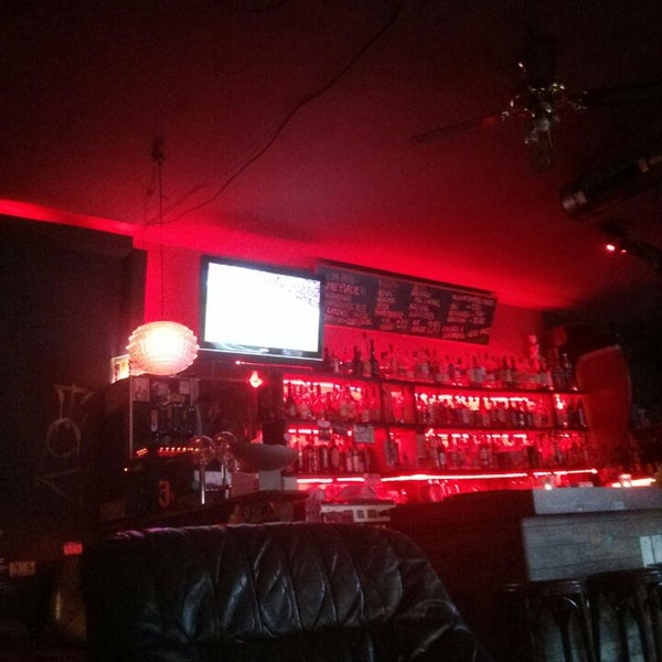 geronimo bar bar in boxhagener kiez. Black Bedroom Furniture Sets. Home Design Ideas