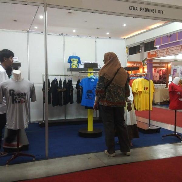Das Foto wurde bei Jogja Expo Center (JEC) von Flutdika D. am 6/20/2013 aufgenommen