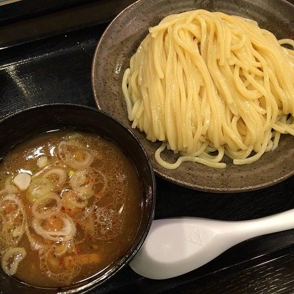 Photo taken at 三ツ矢堂製麺 下北沢店 by 武蔵小杉最強伝説 on 11/7/2013