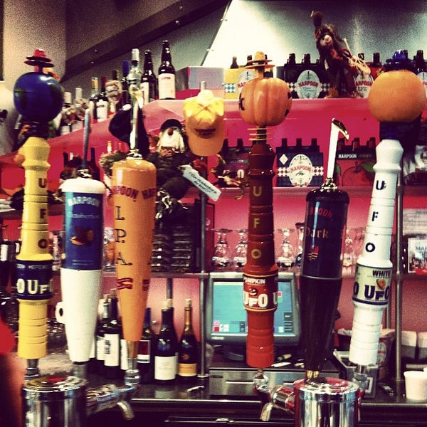 Photo taken at Harpoon Tap Room by Rebecca G. on 10/2/2012