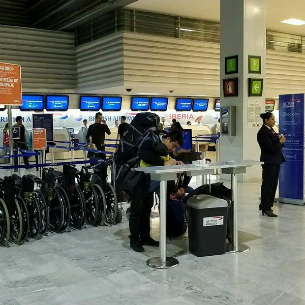 British airways puerta de embarque del aeropuerto en for Puerta 6 aeropuerto ciudad mexico