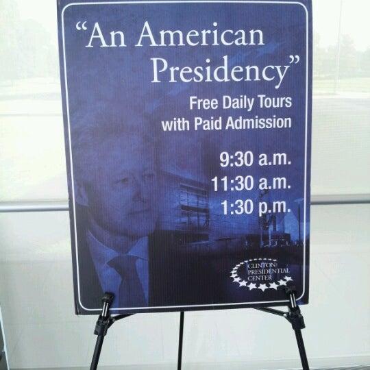 Foto tomada en William J. Clinton Presidential Center and Park por Marci P. el 9/20/2012