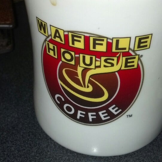Photo taken at Waffle House by Len L. on 3/20/2014