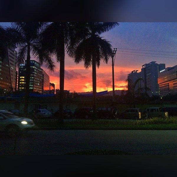 Photo taken at Globe Telecom IT Plaza by Davi Dan S. on 6/25/2015