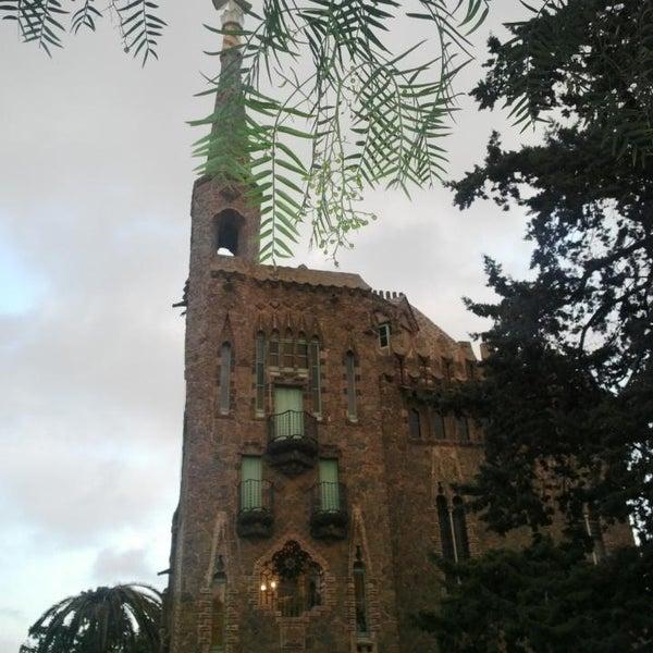 Foto tomada en Torre Bellesguard por Laia J. el 9/13/2014