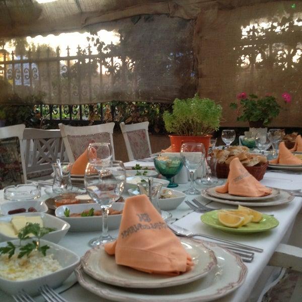7/29/2013 tarihinde Ozge T.ziyaretçi tarafından Maria'nın Bahçesi'de çekilen fotoğraf