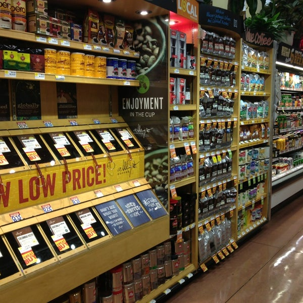 Photo taken at Whole Foods Market by Yossi on 8/28/2013