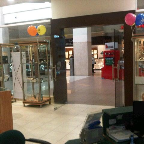 Foto tirada no(a) Mall del Sur por ricardo l. em 2/10/2013