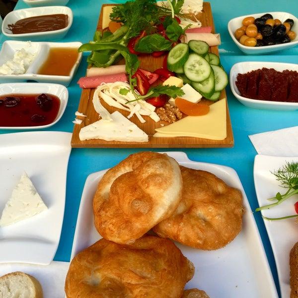 9/24/2016 tarihinde Emine T.ziyaretçi tarafından Otlangaç Kahvaltı & Kafe'de çekilen fotoğraf