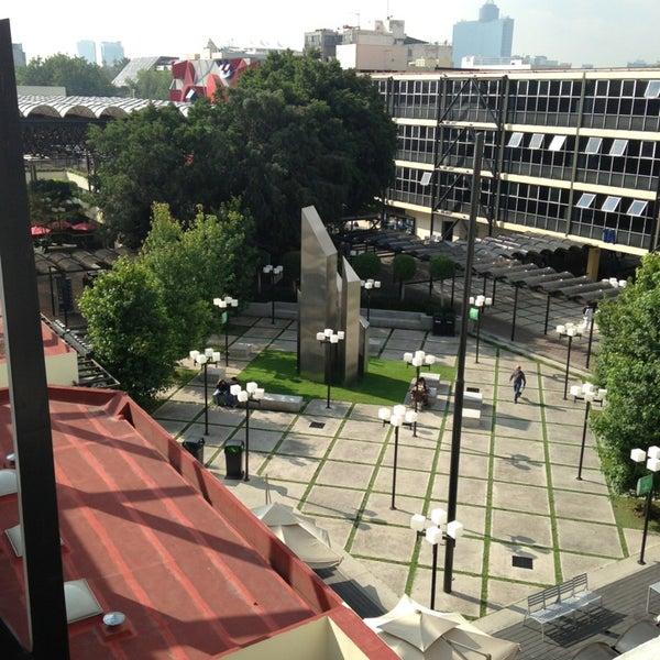 7/26/2013 tarihinde Victor R.ziyaretçi tarafından Universidad La Salle'de çekilen fotoğraf