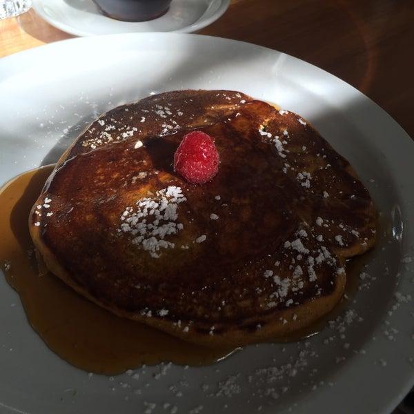 รูปภาพถ่ายที่ Harbor Breakfast โดย Don N. เมื่อ 1/9/2016
