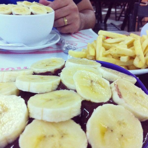Foto tirada no(a) Brasil Burger por SweetPearl .. em 1/31/2016