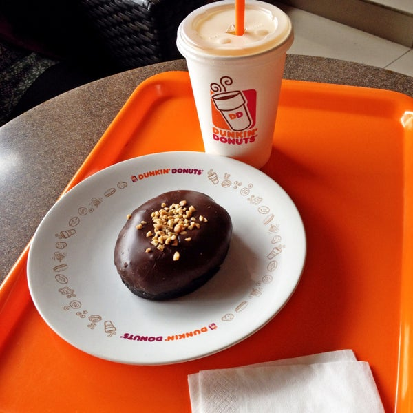 Photo taken at Dunkin' Donuts by SiikecilNiaragustinne .. on 7/8/2015