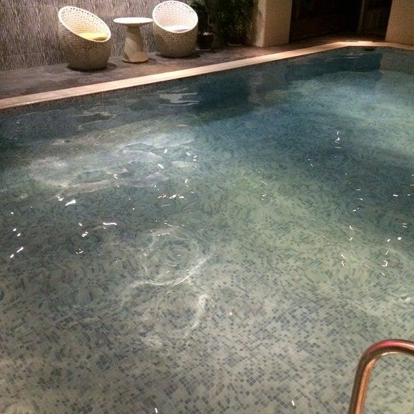 10/1/2016 tarihinde Volkan A.ziyaretçi tarafından Queen Hotel & Spa'de çekilen fotoğraf