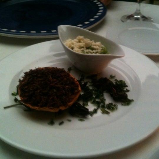 Foto tomada en Catedral Restaurante & Bar por Максим Р. el 9/24/2012
