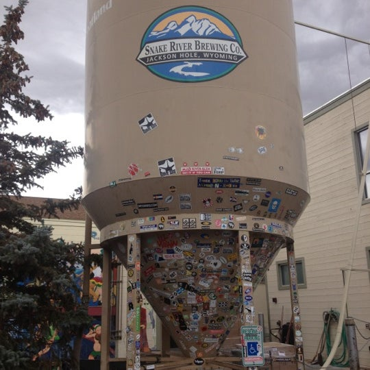 Photo taken at Snake River Brewery & Restaurant by Fileme U. on 10/19/2012