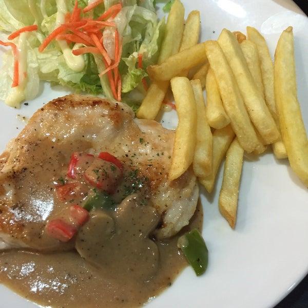 Photo taken at Santa Fé Steak by Hs m. on 1/27/2016