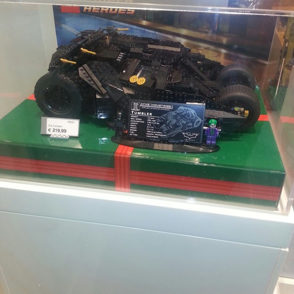 Photo taken at LEGO Store by Andy C. on 12/20/2014