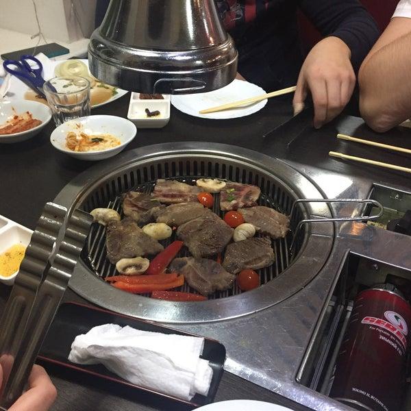 Foto tomada en Korean BBQ гриль por Alex T. el 11/19/2016
