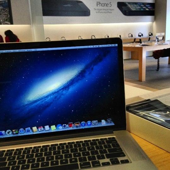 Photo taken at Apple La Cantera by Brandon on 10/30/2012