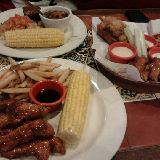 Photo taken at Chili's Grill & Bar Restaurant by Ila B. on 11/4/2012