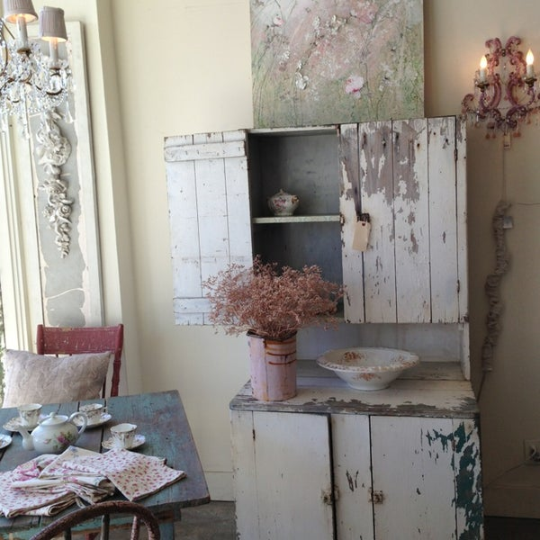 rachel ashwell shabby chic couture north of montana santa monica ca. Black Bedroom Furniture Sets. Home Design Ideas