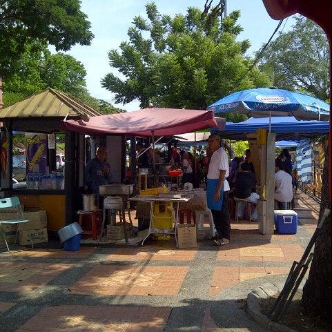 Photo taken at Cendol Jam Besar Melaka by maryah on 5/26/2013
