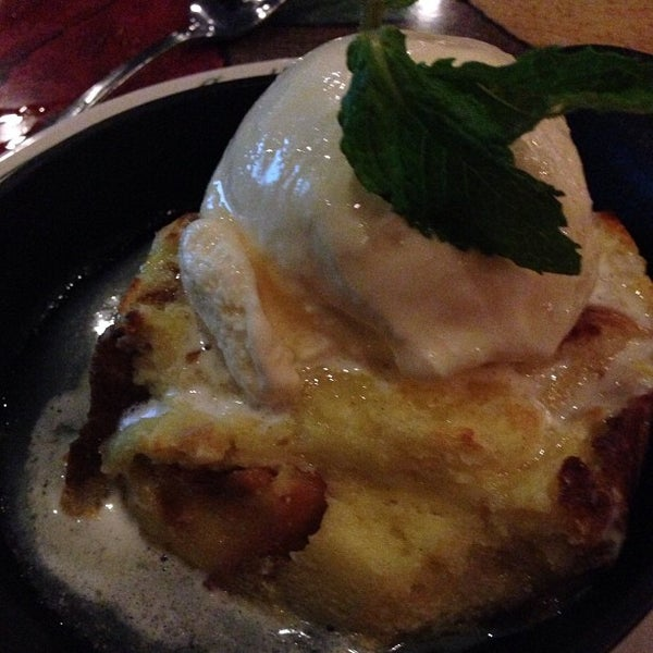 Photo taken at Carrabba's Italian Grill by Zach G. on 9/4/2013