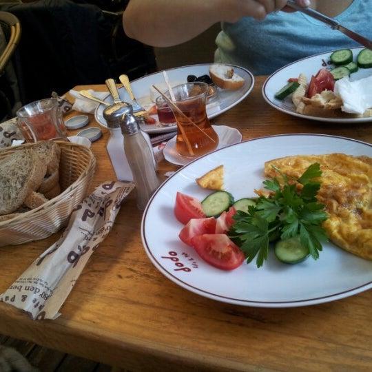 9/18/2012 tarihinde Ebru A.ziyaretçi tarafından Dodo Cafe & Pub'de çekilen fotoğraf