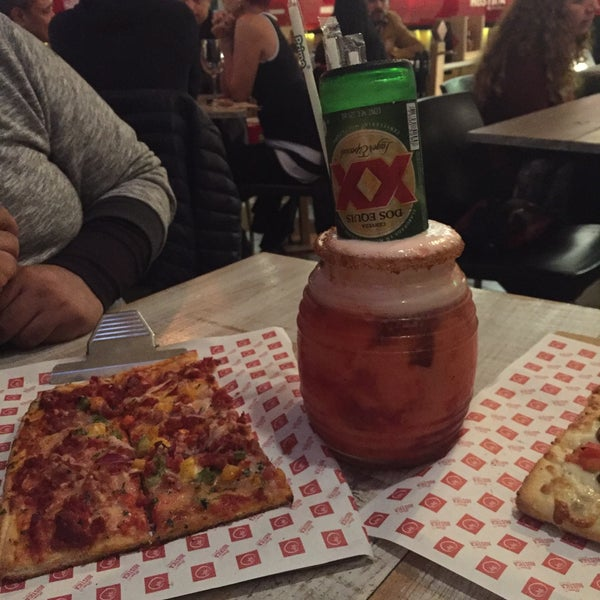 Foto tomada en Pizza Rustica por Gabriela R. el 11/12/2016