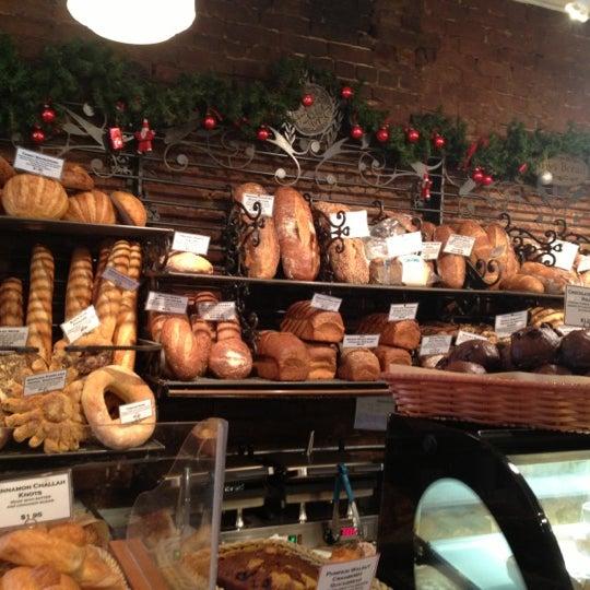 Foto tomada en Amy's Bread por Joe G. el 12/1/2012