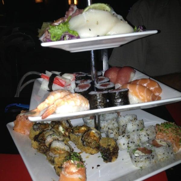 Foto tirada no(a) Brava Sushi por Sabrina C. em 1/22/2013
