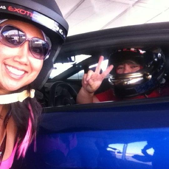 Foto tirada no(a) Exotics Racing por @MaryAnneWendt em 9/25/2012