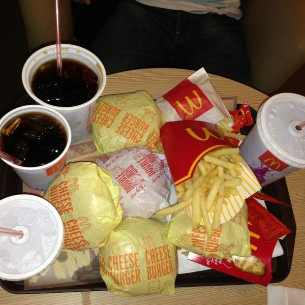 Photo taken at McDonald's by Mela R. on 3/25/2013