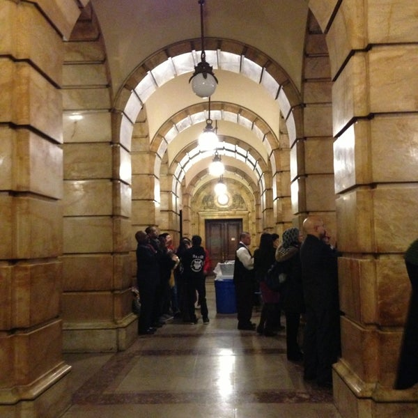 Photo taken at NYC Municipal Building by Moo N. on 2/20/2013