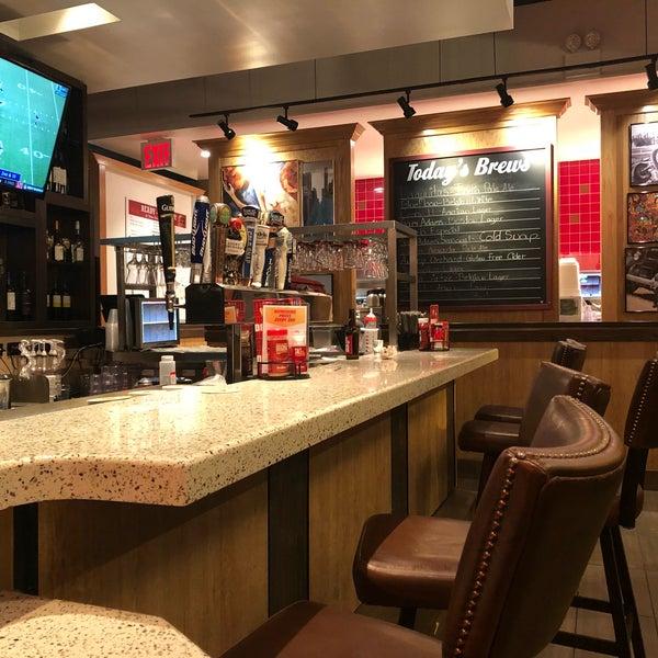 red robin gourmet burgers heartland village 2655. Black Bedroom Furniture Sets. Home Design Ideas